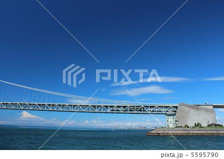 明石海峡大橋を支える巨大なアンカレッジ 5595790