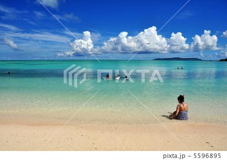 竹富島 コンドイビーチの風景 5596895