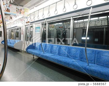 電車内の写真素材 5688567 Pixta