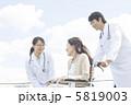医師とシニア 5819003