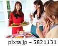 宴会 パーティ おしゃべりの写真 5821131