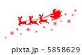 サンタクロース空を飛ぶシルエット 5858629