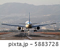 エアバス 着陸 飛行機の写真 5883728