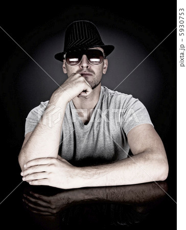 man in hat and sunglasses 5930753
