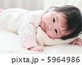 5か月の赤ちゃん2  5964986