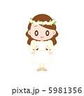 天使の衣装を着た女の子 5981356