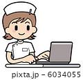 ノートパソコン ナース 看護婦のイラスト 6034055