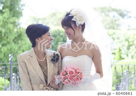 花嫁と母 6040661