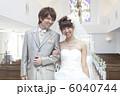 ウェディングドレス 花婿 新郎の写真 6040744