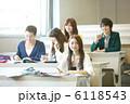 同級生 勉強 クラスメートの写真 6118543
