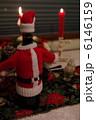 サンタの格好のワイン 6146159