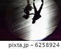 アイススケート シルエット 影の写真 6258924