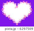 ドットの花びらの桜のハートフレーム(紫色) 6297509