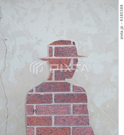 Brick mans silhouette in the old wall.の写真素材 [6380388] - PIXTA