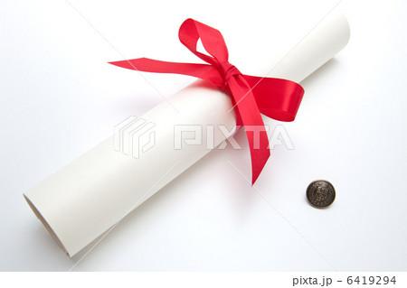 卒業証書と第二ボタン 6419294