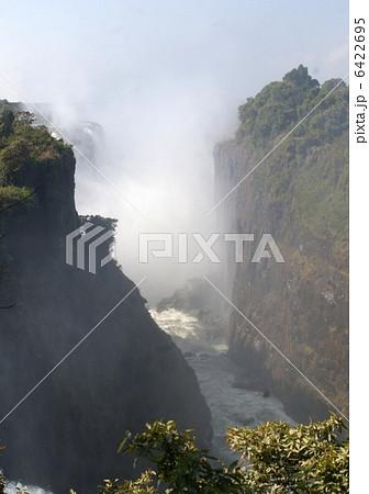 ビクトリアの滝 6422695