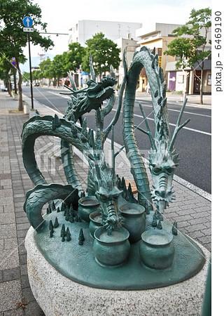 ヤマタノオロチの像(JR出雲市駅北口/島根県出雲市) 6469190