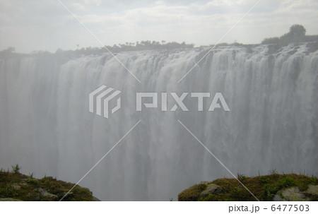 ビクトリアの滝 6477503