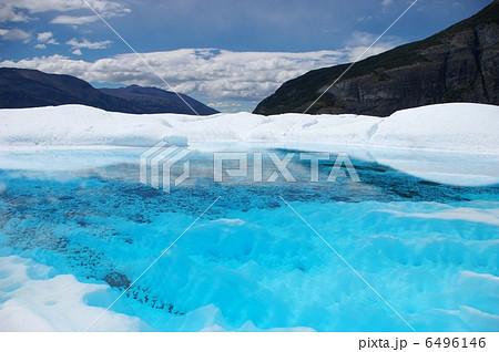ペリトモレノ氷河の青い湖 6496146