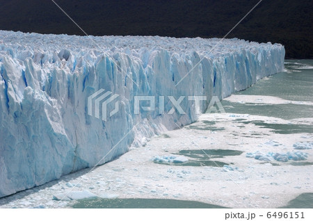 ペリト・モレノ氷河の崩落 6496151
