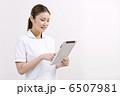 タブレット 看護師 看護婦の写真 6507981