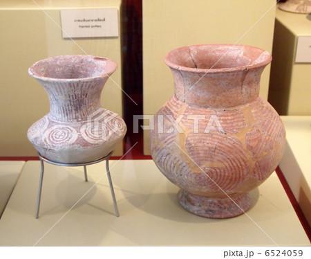世界遺産 タイ バンチェン遺跡 国立博物館 土器 6524059