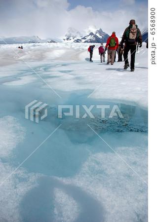 パタゴニアのペリトモレノ氷河でのアイストレッキング 6568900