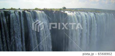 ビクトリアの滝 6568902
