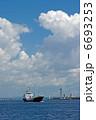 港の風景(入港する船舶) 6693253