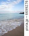 砂浜と青い海と白い雲、カイルアビーチ、オアフ島、ハワイ-3 6699276