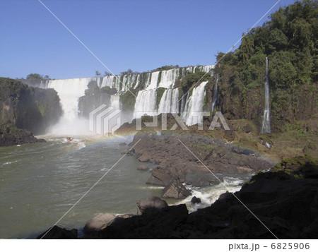 イグアスの滝 6825906