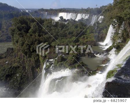 イグアスの滝 6825907