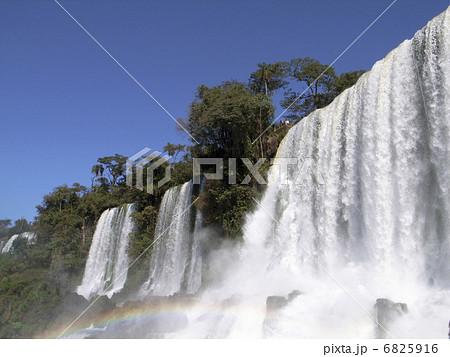 イグアスの滝 6825916