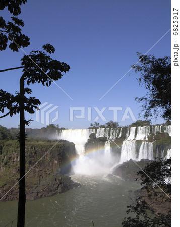 イグアスの滝 6825917