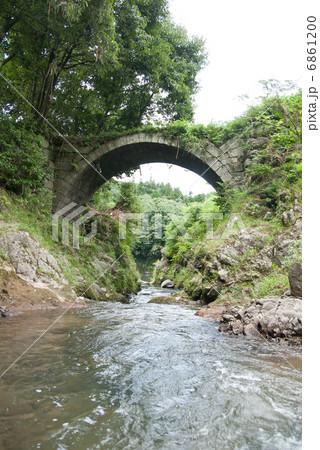 九州の石橋 大分 筏場眼鏡橋の写真素材 [6861200] - PIXTA