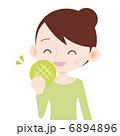 女性 上半身 メロンパンを食べる 6894896