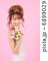 ドレス姿の女性 6899029