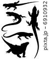 lizards fine silhouettes - detailed black outlines over white - vector set 6910932