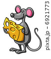 Funny cartoon mouse with cheese 6921773