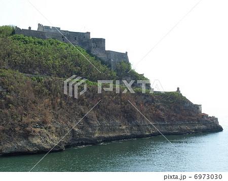 世界遺産「サンティアゴ・デ・クーバのサン・ペドロ・デ・ラ・ロカ城」(キューバ) 6973030