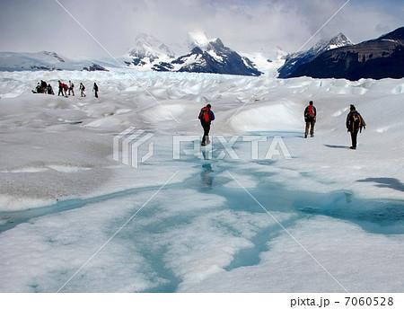 パタゴニアのペリトモレノ氷河でのアイストレッキング 7060528