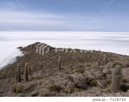 ウユニ塩湖 7128730