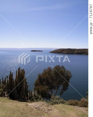 ティティカカ湖 7128787