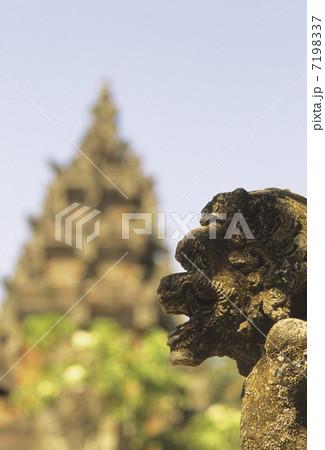 インドネシアの守護神 7198337