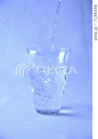 水の写真素材 [7198398] - PIXTA