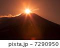 山中湖からのダイヤモンド富士 7290950
