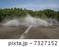 噴水と虹 7327152