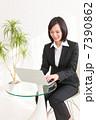 ビジネスウーマンイメージ 7390862