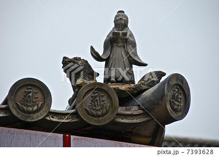 亀に乗った仙人「黄石公」(仁和寺・金堂/京都府京都市右京区御室) 7393628