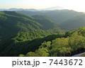 白神山地を照らす朝日 7443672